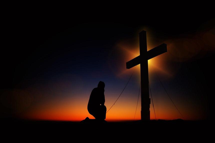 Jesus var jämlik Gud, blev människa, dog på korset och Gud upphöjde honom