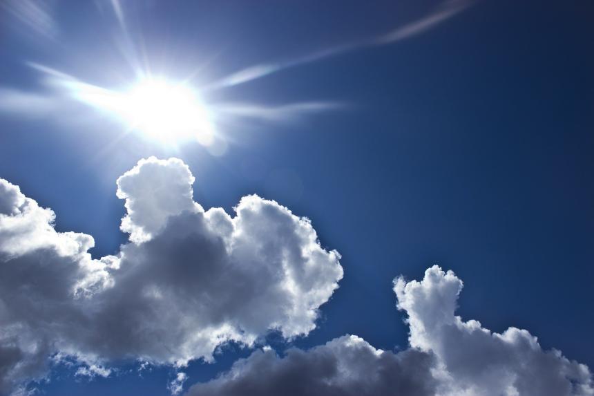Sol, moln.